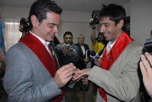 У Колумбії дозволили реєструвати одностатеві шлюби