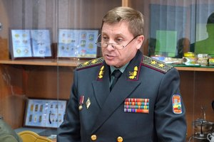 Уволен замминистра обороны Лищинский