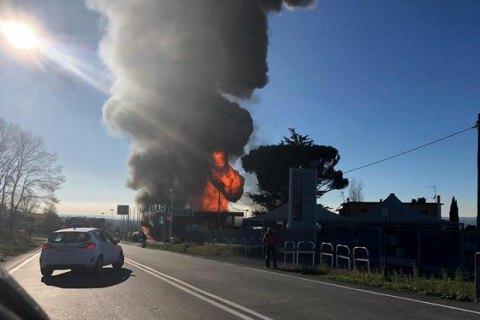 В Італії в результаті вибуху на АЗС загинули дві людини, понад 10 поранено