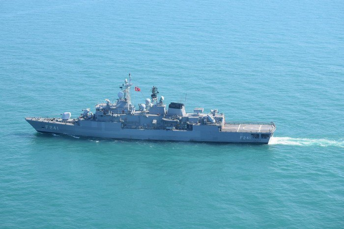 Турецкий фрегат Turgutreis