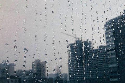 Дивина: у Запоріжжі в перший день весни випав град зі снігом (фото, відео)