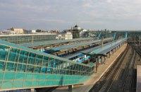 В Донецке снаряд попал в здание ж/д вокзала
