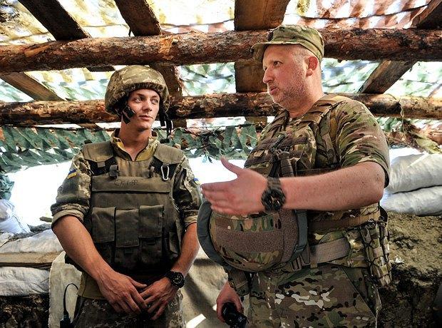 Турчинов: НаДонбассе боевики непрекращают попыток прорвать оборону украинских военных