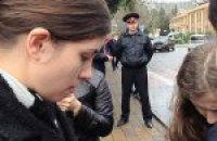 В Сочи задержали Толоконникову и Алехину