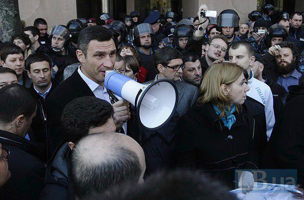 Кличко пообещал избирателям отменить пенсионную реформу