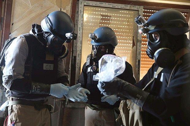 Эксперты ООН по химическому оружию работают на месте атаки, Сирия, 29 августа 2013.