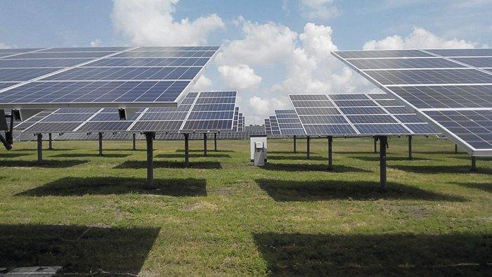 Одна з найбільших в Україні сонячних електростанції Тоkmak Solar Energy у місті Токмак Запорізької області
