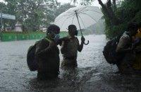 На заході Індії через надпотужний циклон евакуювали 200 000 людей