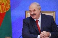 Лукашенко подарил на Новый год Кучме петуха