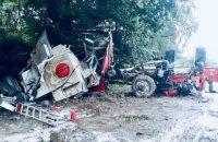 На Прикарпатті під час виїзду на виклик розбилась пожежна машина, шістьох рятувальників госпіталізували