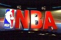 НБА: Кравцов проводит на паркете минуту, ЛеБрон бьет Коби