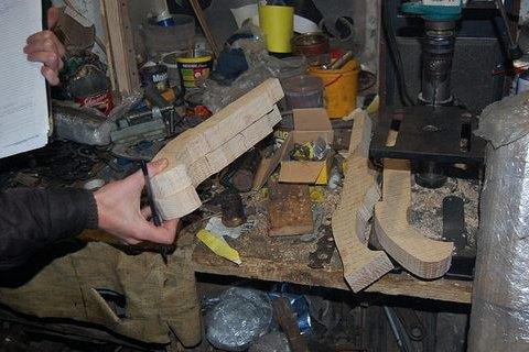 Мешканець Ніжина влаштував у гаражі майстерню з виготовлення зброї