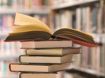 """З московських бібліотек приберуть """"50 відтінків сірого"""" та книжки про вампірів"""