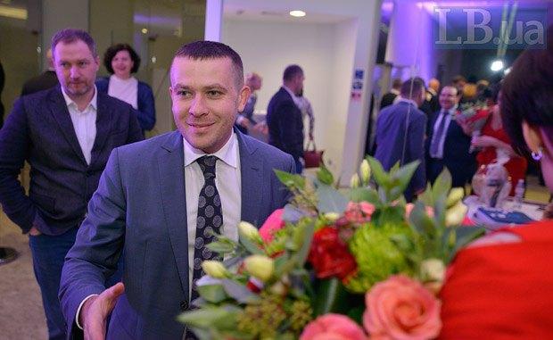 Иван Крулько (в центре) и Олег Деревянко (слева)