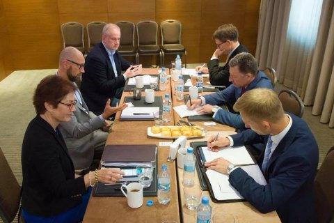 Яценюк: Россия избегает международных переговоров, потому что намерена продолжать агрессию