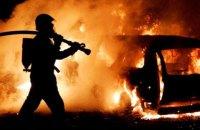В Кировоградской области автомобиль врезался в электроопору и загорелся, 5 пострадавших