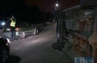 Пьяный водитель в Киеве врезался в перевернутый микроавтобус