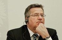 """Коморовський: """"Я не маю грошей на літак"""""""