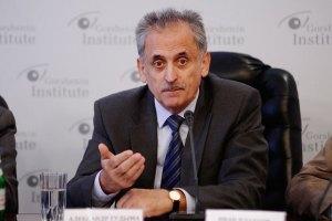 """Азаров """"безглуздо теоретизує"""" про туркменський газ, - нардеп"""