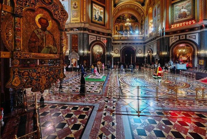 патриарх Кирилл в Храме Христа Спасителя (Пасха-2020)