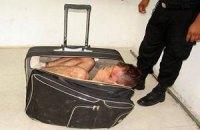 Мексиканец попытался сбежать из тюрьмы в чемодане