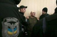 Во время драки в Святошинском суде пострадали двое полицейских