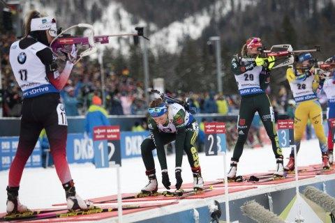 Украинские биатлонистки провально выступили на этапе Кубка мира в Антхольце