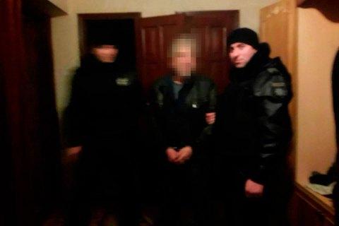 В Одесской области взяли штурмом пенсионера, который захватил заложников и стрелял по прохожим