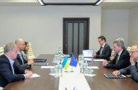 Чтобы развивать сотрудничество с ЕС, необходимо обеспечить политическое единство в Украине, - Яценюк
