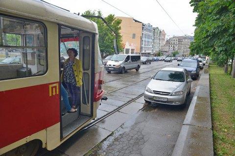 В Киеве избили вагоновожатого за замечание пассажирам об отсутствии масок