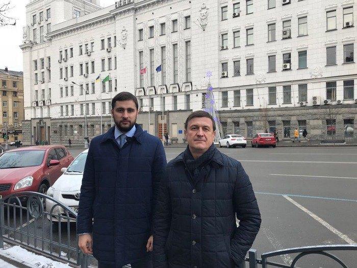 Пустоваров (слева) с адвокатом
