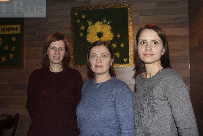Ірина Москвина, Нінель Суслова та Анна Лопусєва вимагають від компанії *Іммошан* побудувати обіцяний дитсадок