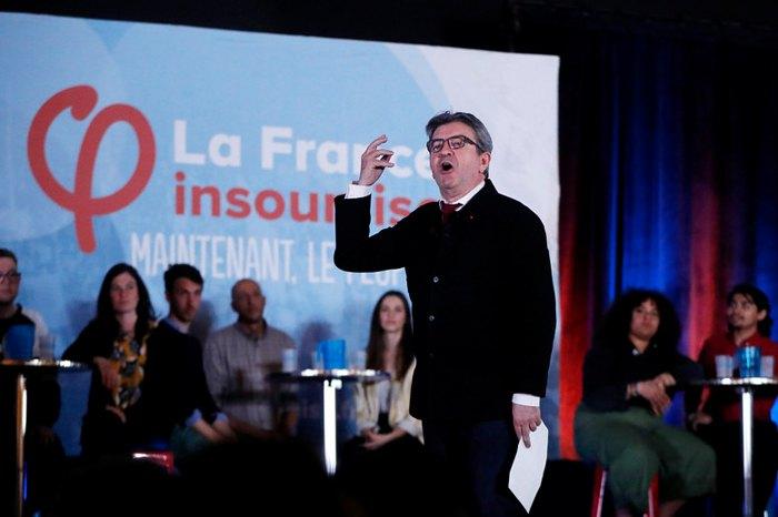 Жан Люк Меланшон во время предвыборной кампании в Ниме, на юге Франции, 5 апреля 2019.