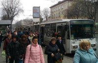 Зеленський підписав закон про істотне збільшення штрафів за відмову перевозити пільговиків