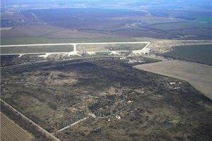 Терористи штурмують аеродром Краматорська
