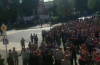 Прем'єр Білорусі виїхав до працівників Мінського тракторного заводу та МАЗ, які влаштували страйк
