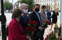 Американські сенатори обговорили із Зеленським реформи в Україні