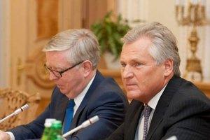 Кокс и Квасьневский встретятся с Рыбаком без прессы