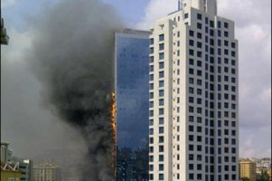 Пожежу у стамбульському хмарочосі загасили