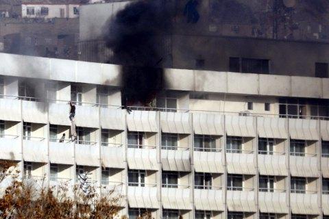 ВКабуле боевики захватили отель ивзяли заложников