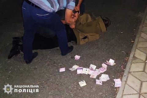 Чиновника полиции Николаевщины разоблачили в вымогательстве взяток с подчиненных