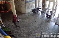 """Секретар міськради Борисполя, якого Зеленський назвав """"розбійником"""", побив активіста"""