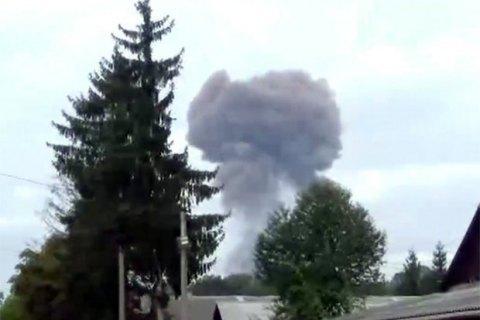 Пожежа в Калинівці поширилася на 30% території складу