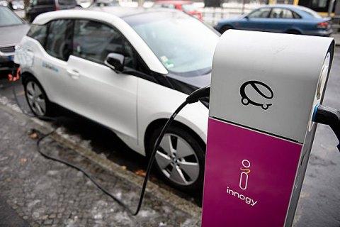 С 1 января в Украине вступает в силу закон о зеленых номерах для электрокаров
