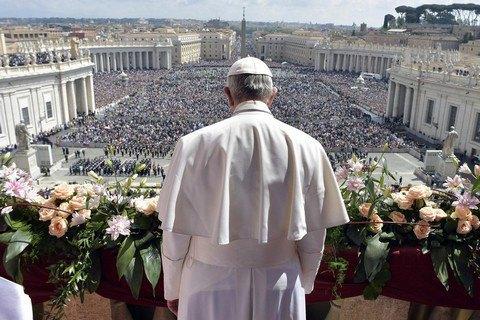 Папа Римський Франциск благословив Україну увеликодній промові