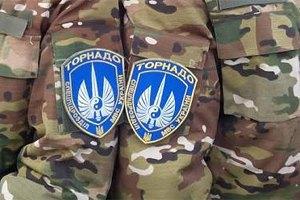 """Бунтівних """"торнадівців"""" у Боярці вмовили здати зброю"""