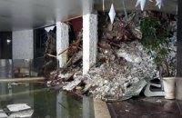 У заваленому лавиною готелі в Італії знайшли десятьох живих (оновлено)