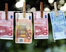 Ко Дню Независимости на межбанке упали доллар и евро