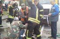 """Столичные спасатели извлекли из коллектора четырех работников """"Киевводоканала"""""""