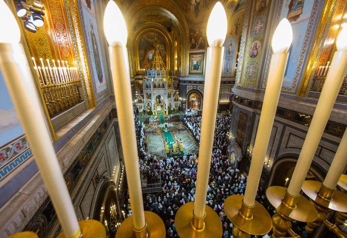 Богослужение в Кафедральном соборном храме Христа Спасителя, Москва